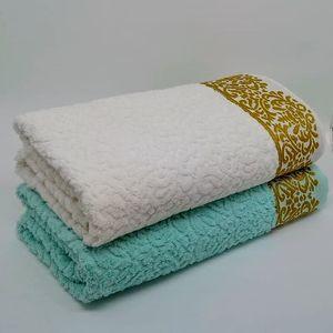 kit-com-2-toalhas-banhao-com-fio-penteado-sarai