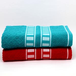 2-banho---uma-de-cada-cor---Tiffani-e-vermelha